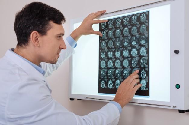 Ambulatorio di neurochirurgia: patologie trattate e percorsi di cura